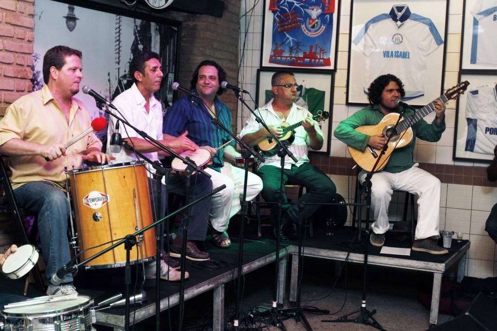 Quarteto de Cordas Vocais no Tonico´s, um dos redutos do samba em Campinas (Foto Adriano Rosa)
