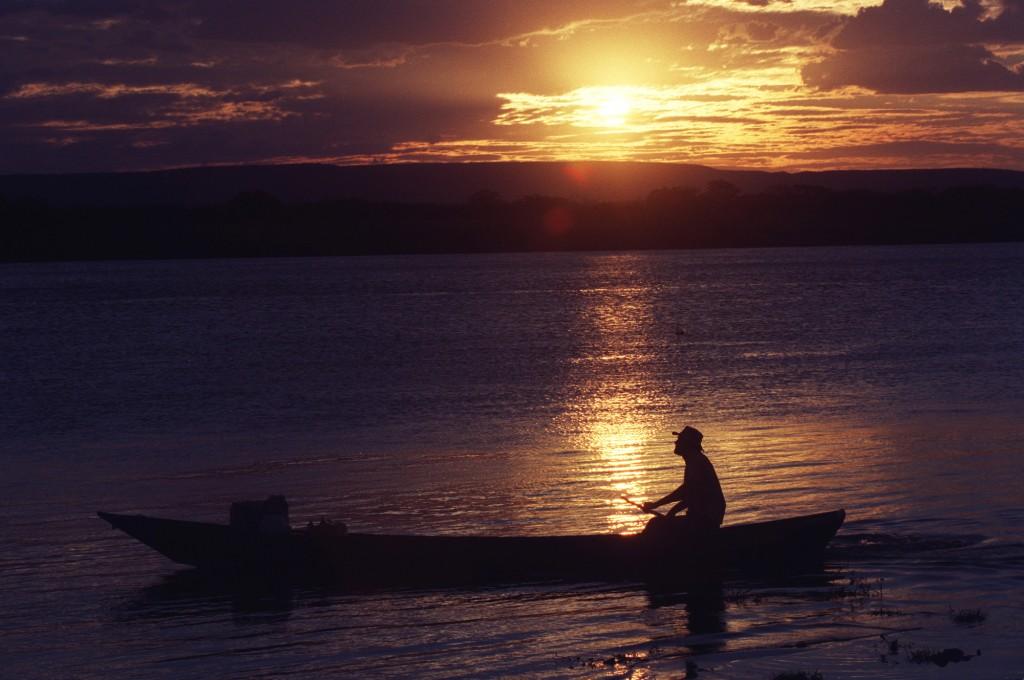 Há muito tempo os pescadores conhecem os segredos do mar no Nordeste (Foto Adriano Rosa)