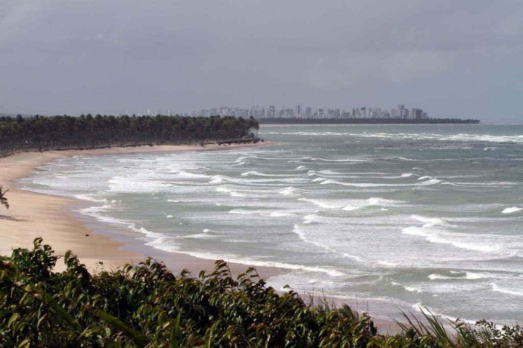 Praias em Cabo de Santo Agostinho, PE: paraíso próximo do Porto de Suape (Foto Adriano Rosa)