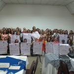 Representantes das 14 escolas que participaram da assinatura dos termos de compromisso (Foto José Pedro Martins)
