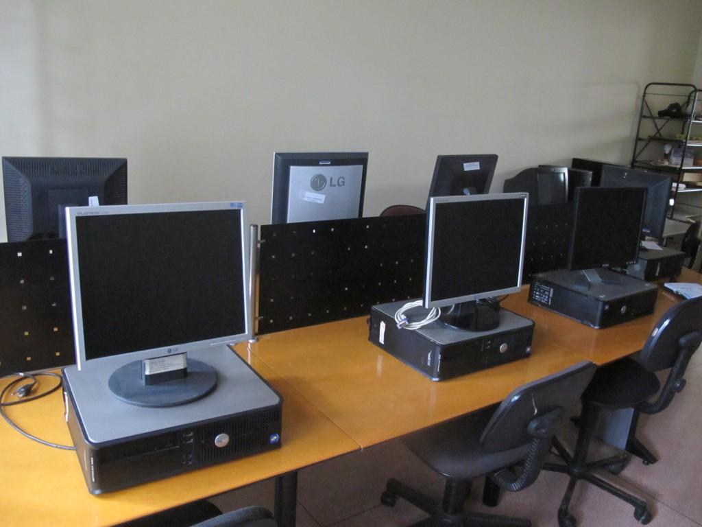 Sala de inclusão digital, à espera de ajustes (Foto José Pedro Martins)