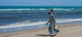 Poeta brasileiro faz performance em Creta nesta sexta-feira, com transmissão pelo Facebook