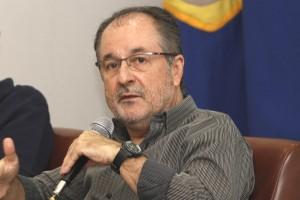"""Marcel Cheida destaca importância da """"persona"""" frente bombardeio de informações (Foto Adriano Rosa)"""