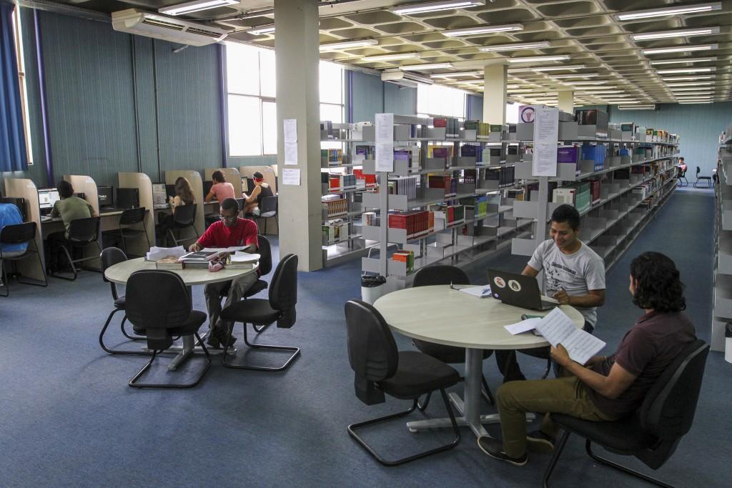 Biblioteca na UNILA: conhecimento compartilhado de múltiplas origens (Foto Divulgação)