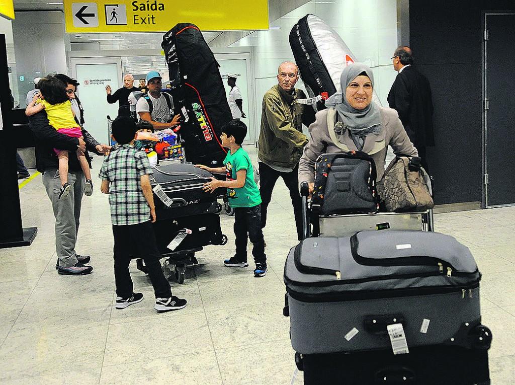 Familia síria chegando a Campinas em função de corrente solidária (Foto Carlos Souza Ramos Agência Anhanguera)
