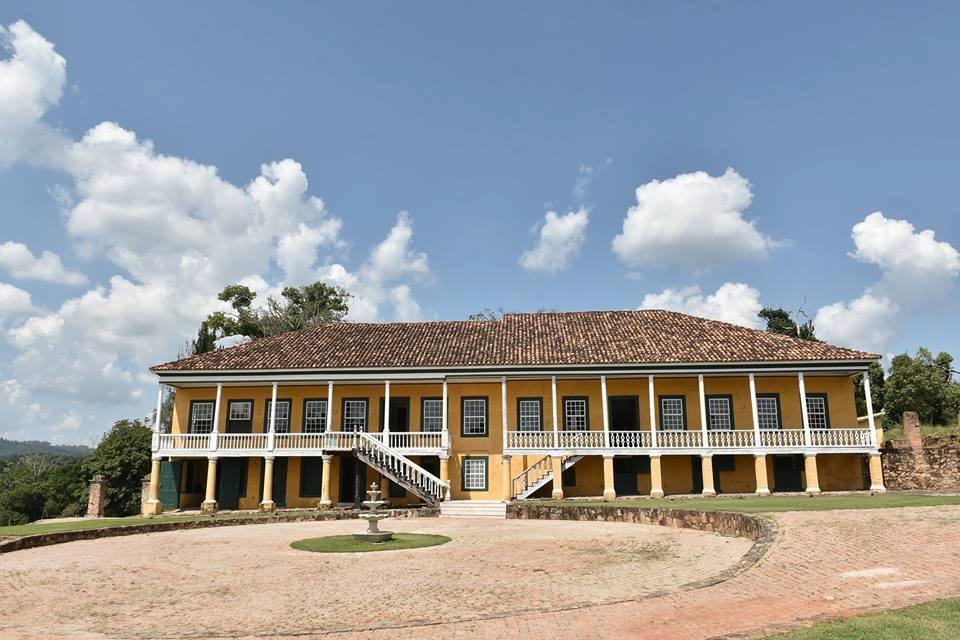 Fazenda Atibaia, em Sousas, remanescente dos ciclos da cana-de-açúcar e do café (Foto Valdecir Saraiva da Silva)