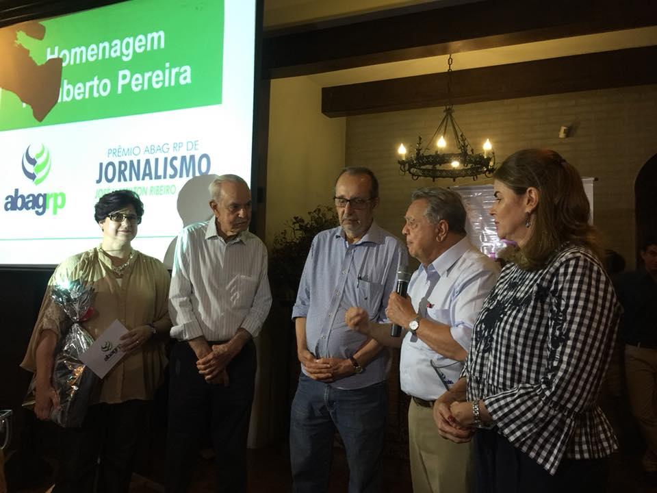A homenagem a José Hamilton Ribeiro e Humberto Pereira, com a participação do ex-ministro Roberto Rodrigues (Foto ABAG-RP Divulgação)