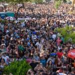 A multidão acompanhando a City Banda no Carnaval de 2018 (Foto Martinho Caires)