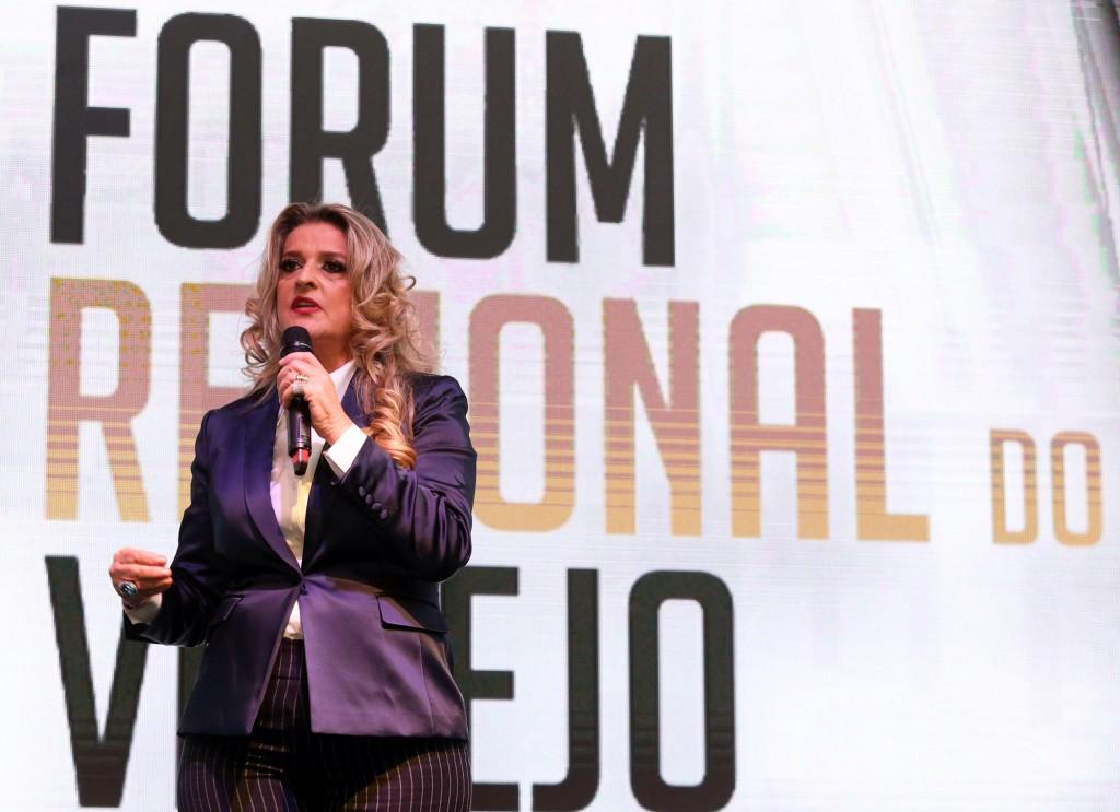 Adriana Flosi reiterou que Fórum está em conformidade com missão da ACIC (Foto Adriano Rosa)