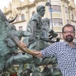 O jornalista internacional, aqui em Pamplona, Espanha (Foto Eduardo Gregori)