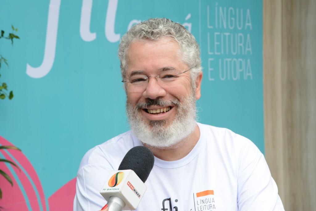 O idealizador, Afonso Borges, na abertura da Fliaraxá de 2017: neste ano, mais novidades (Foto Daniel Bianchini)