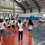 """Aula de voleibol na EEI/EJA """"Dr. João Alves dos Santos"""" : formação integral (Foto José Pedro S.Martins)"""