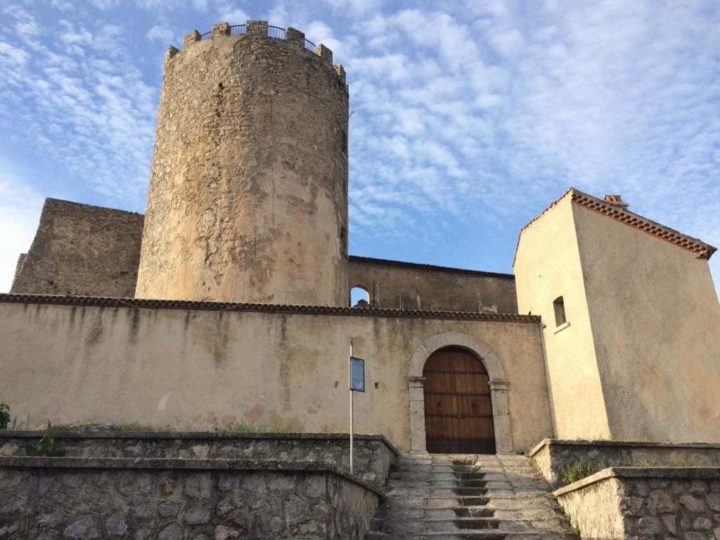 Castelo de Moliterno, a 880 metros acima do nível do mar (Foto Daniela Prandi)