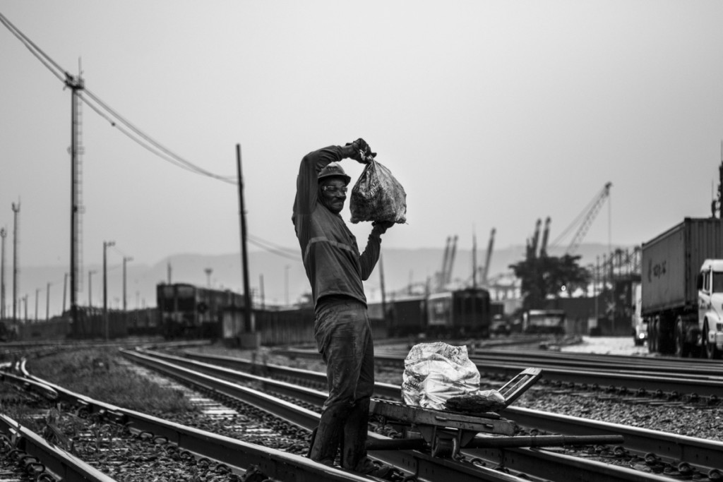 Railroad Worker - Santos 2017 - Foto Hélio Carvalho